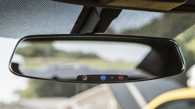 2013-chevrolet-camaros-frameless-rear-view-mirror-with-electrochromic-onstar-buttons_100399754_m.jpg