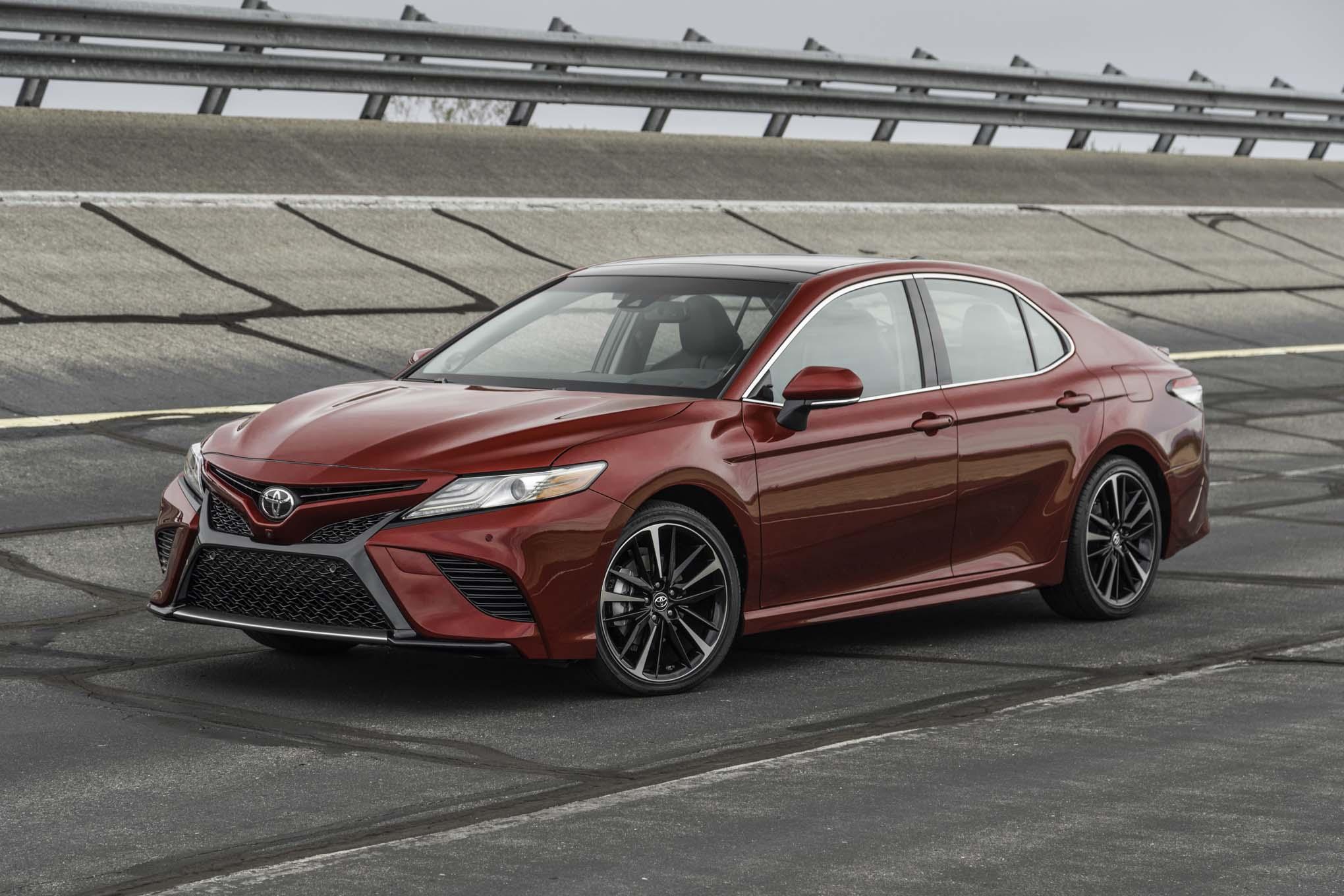 2018-Toyota-Camry-XSE-V-6-front-three-quarter.jpg