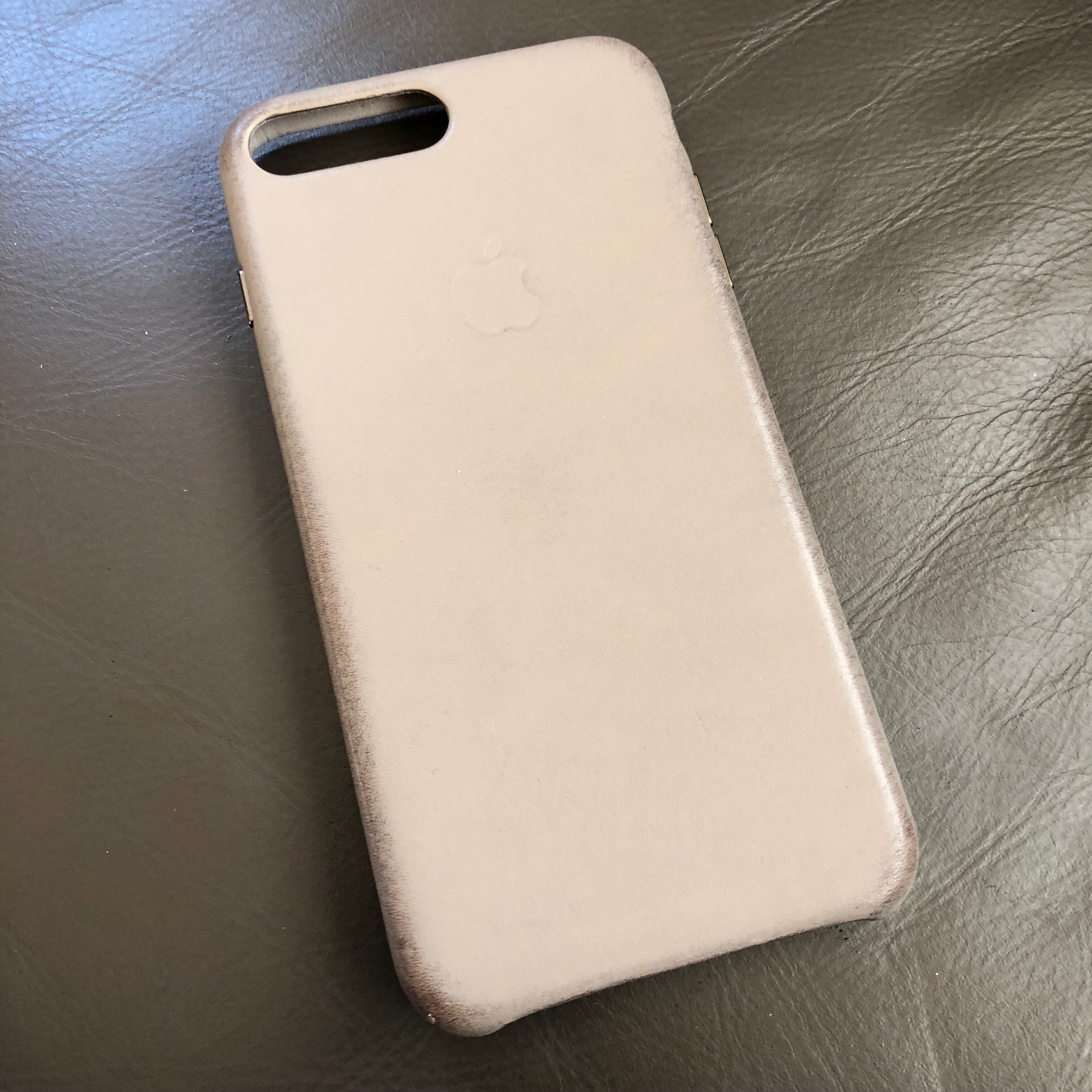 cheap for discount dbf9e 77800 Taupe leather case ageing | MacRumors Forums