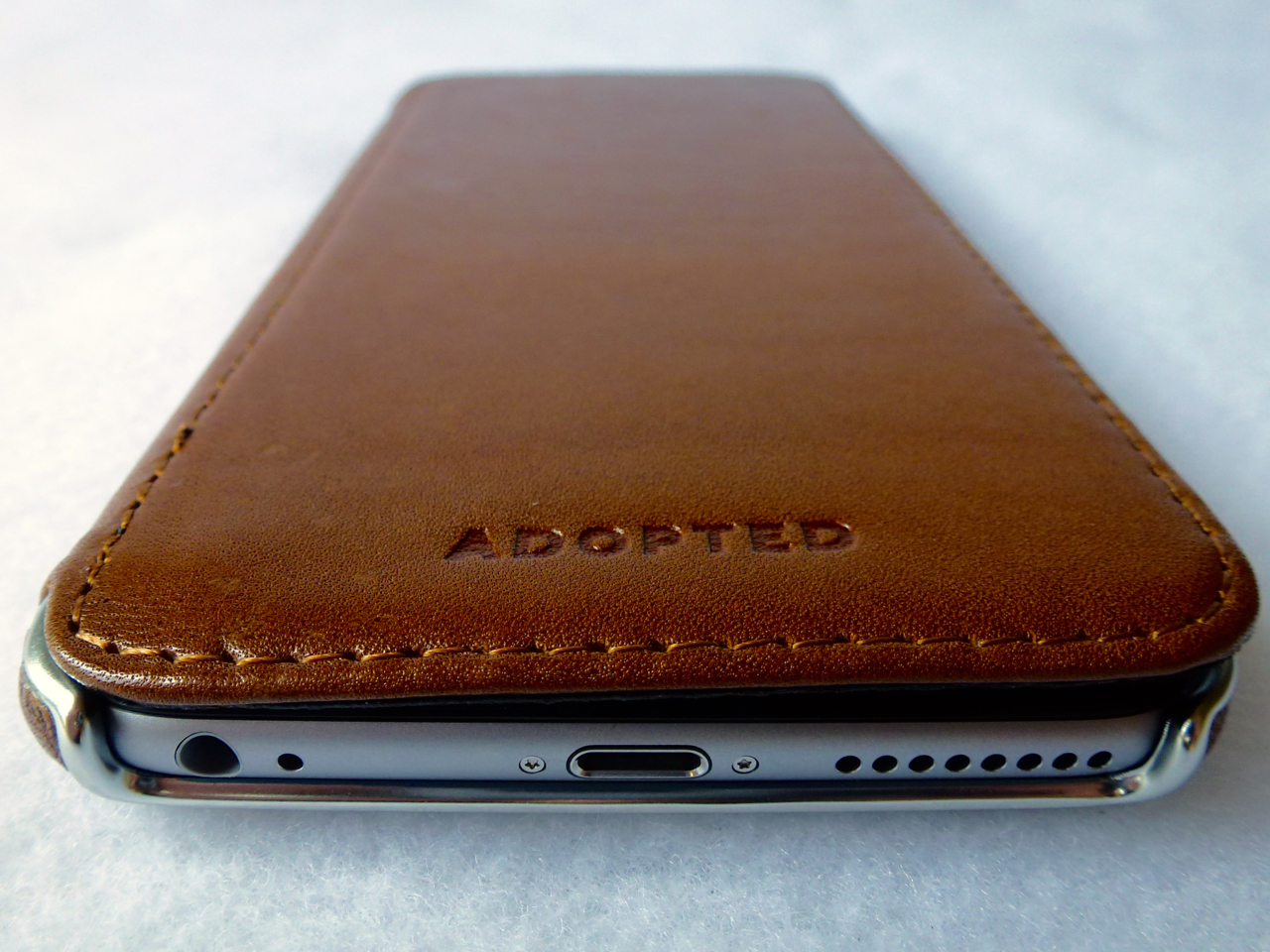 on sale 158a2 545cd Review: Adopted Saddle Leather Folio for iPhone 6 Plus: Gorgeous ...