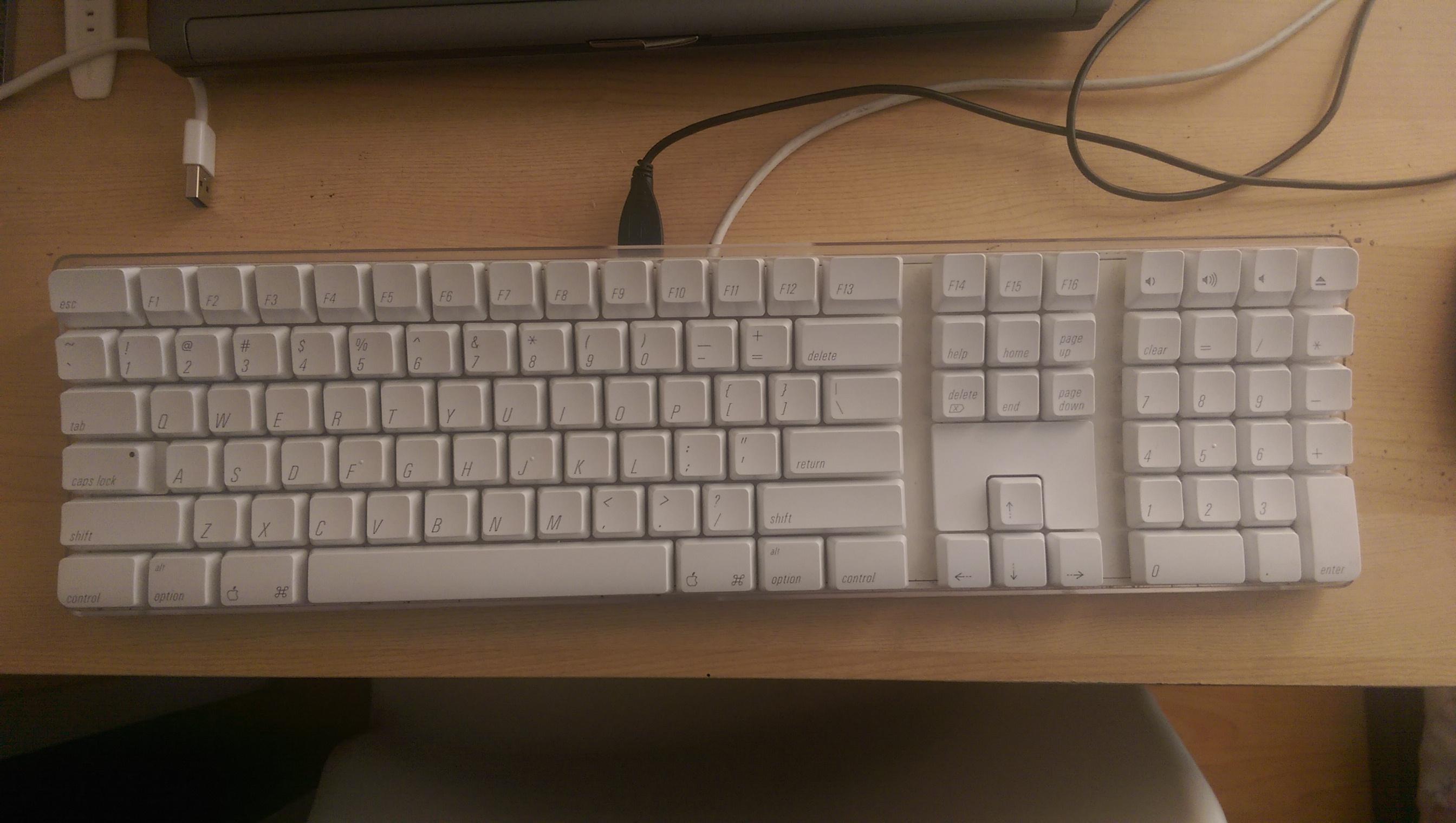Apple_Keyboard_(A1048).jpg