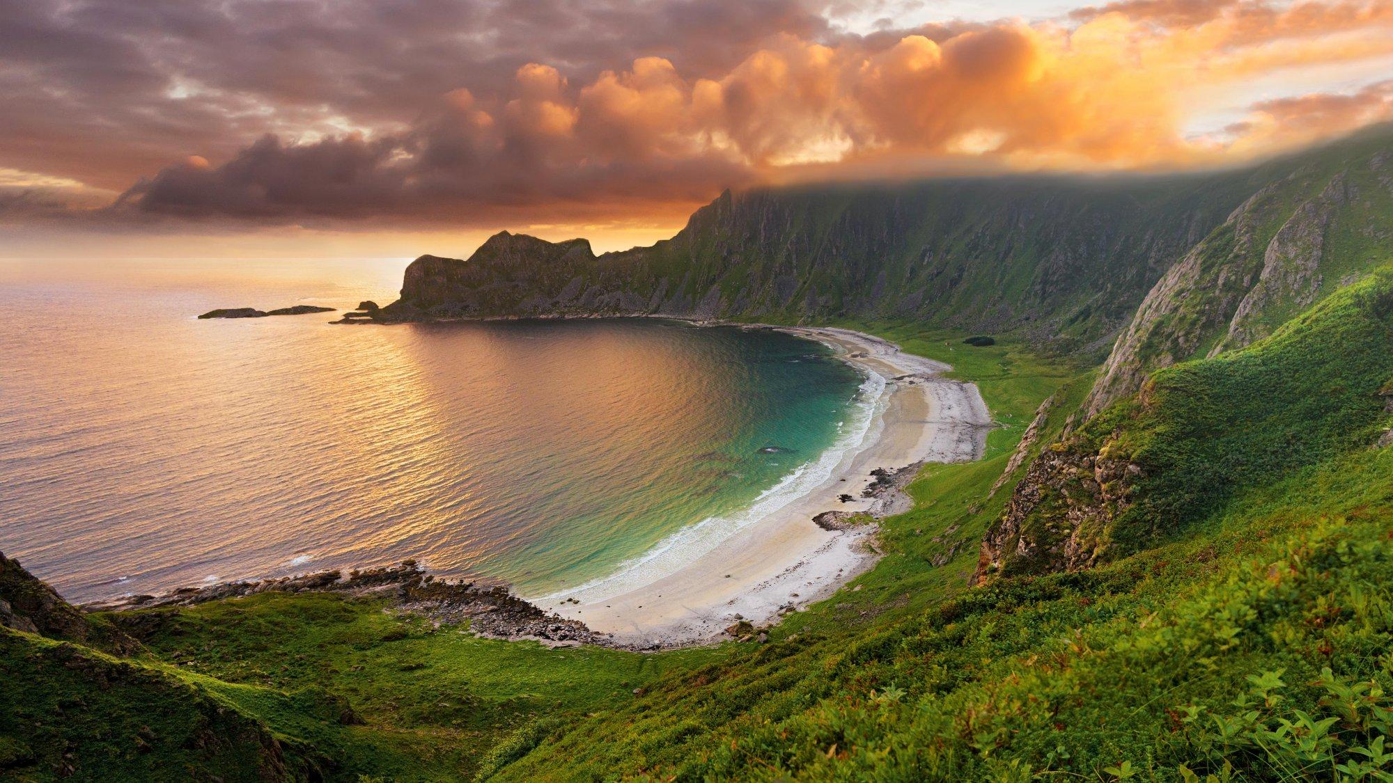 Cliff & Beach.jpg