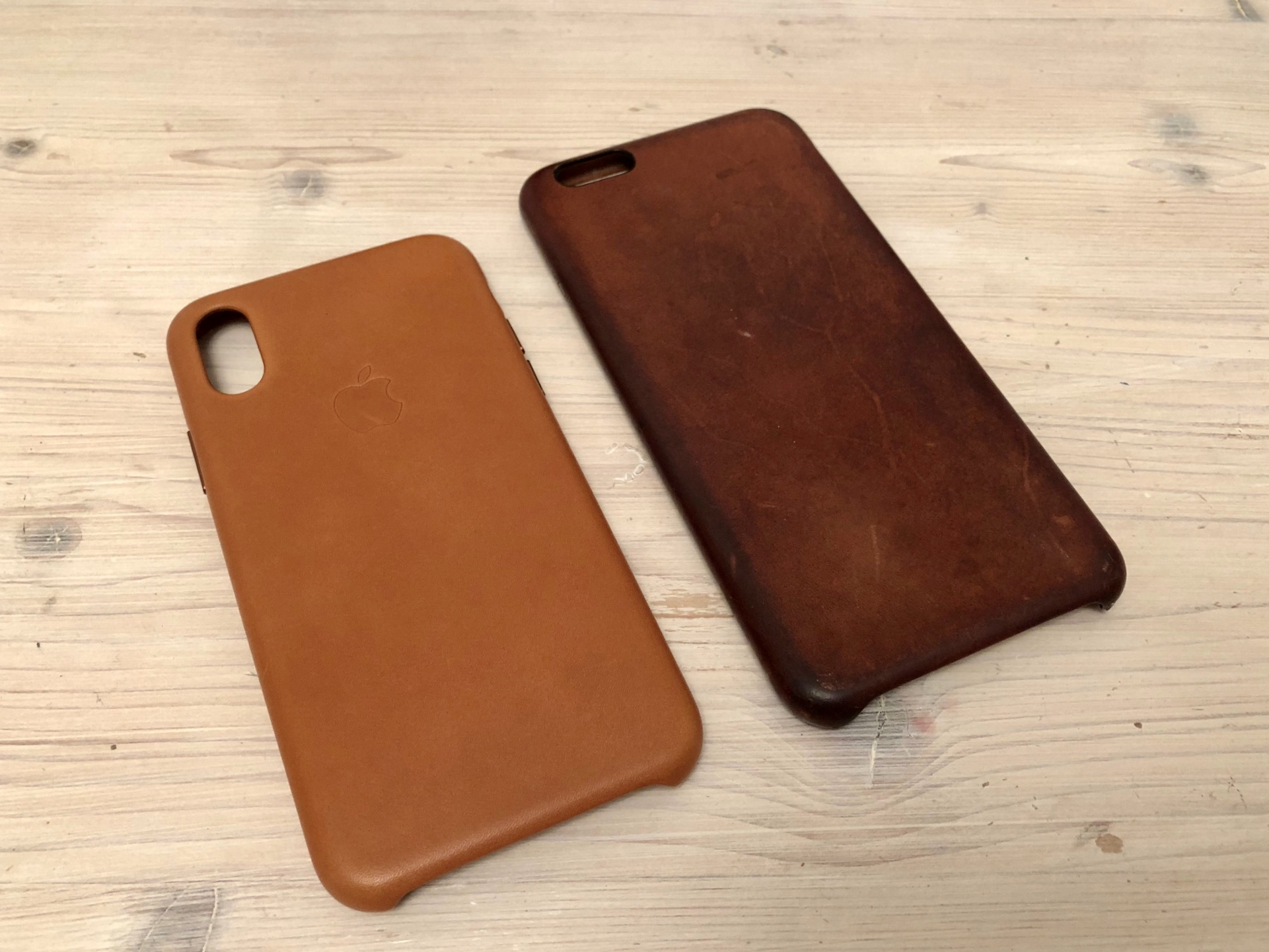 competitive price d55ca be6d1 Saddle Brown Leather iPhone case, old patina and new! | MacRumors Forums