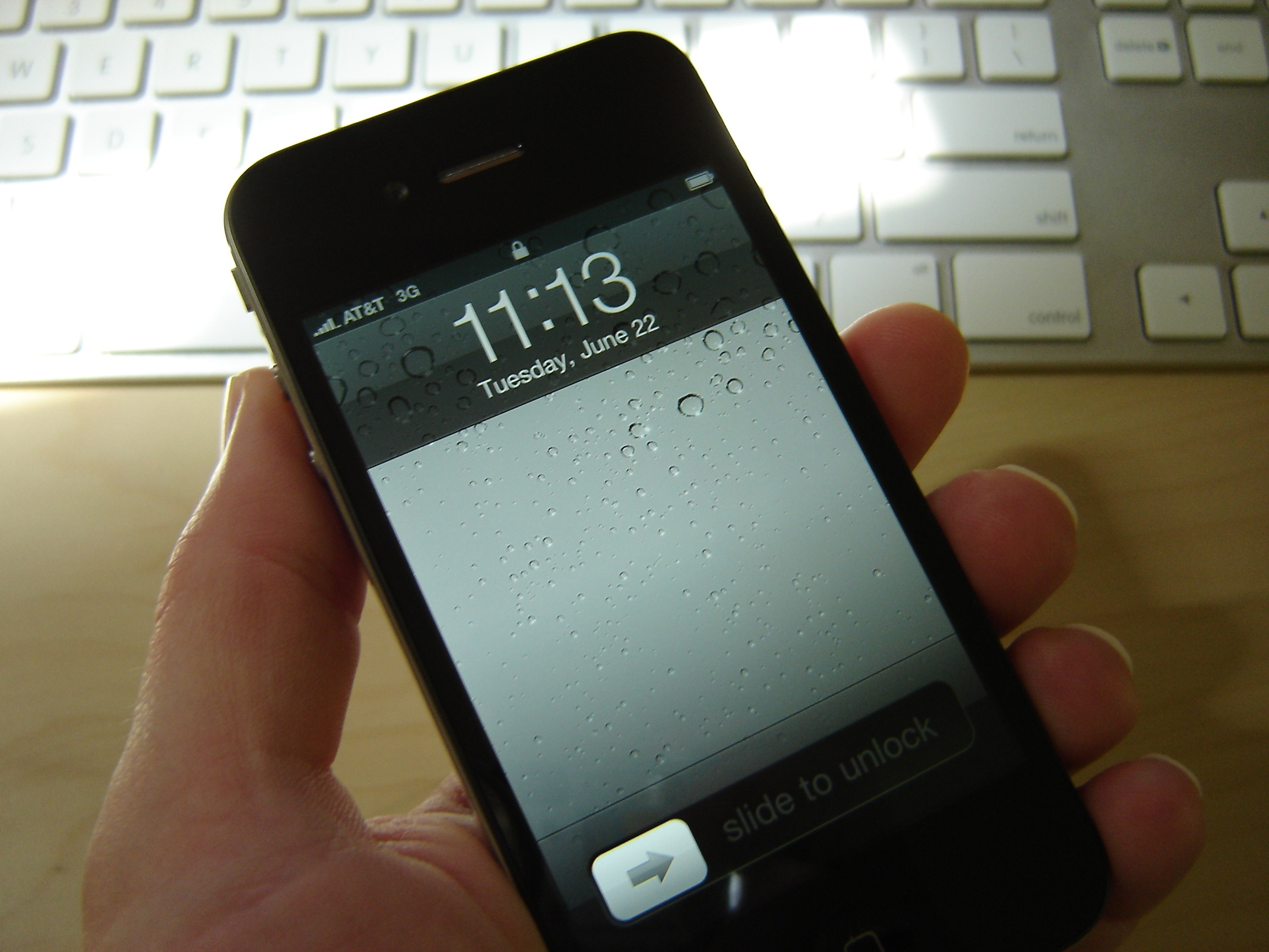my iphone 4 arrived 2 days early macrumors forums