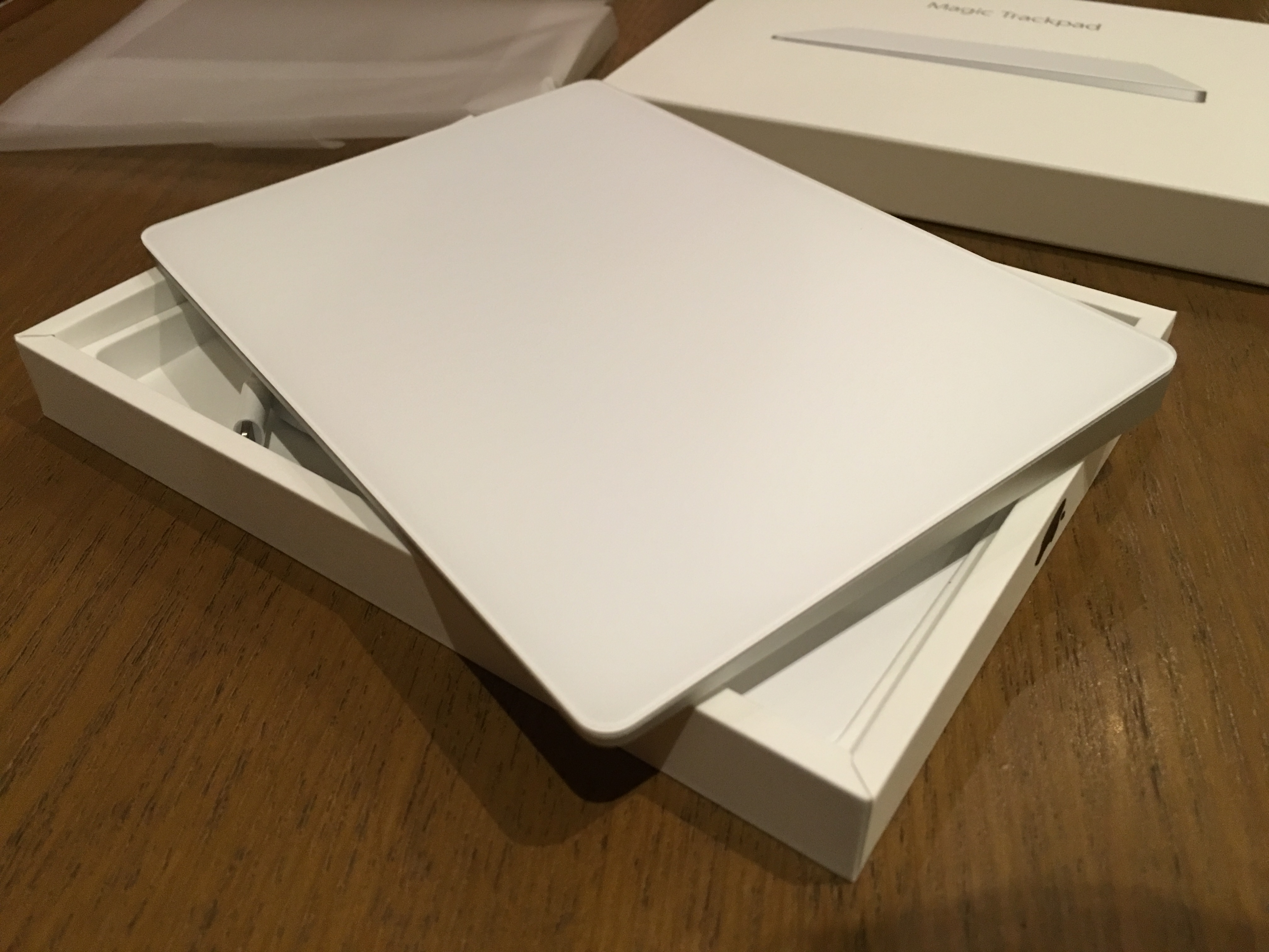 Magic Trackpad 2 Unboxing (it works with pre BT4.0 Macs ...