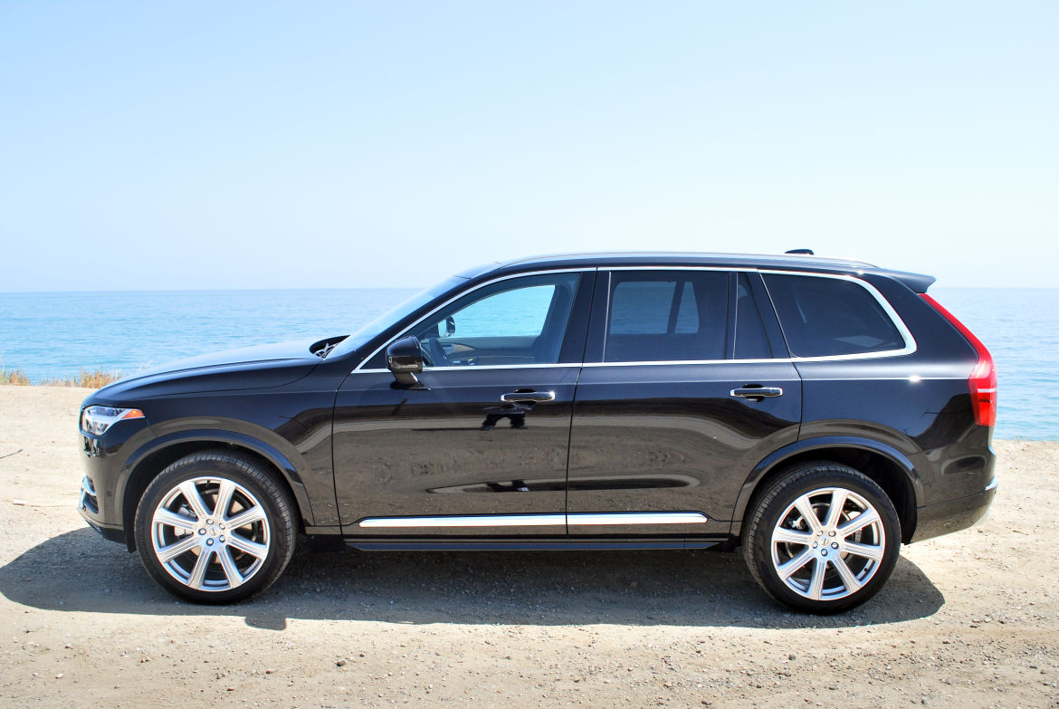 Volvo's First CarPlay Vehicle in the U S  is the 2016 XC90