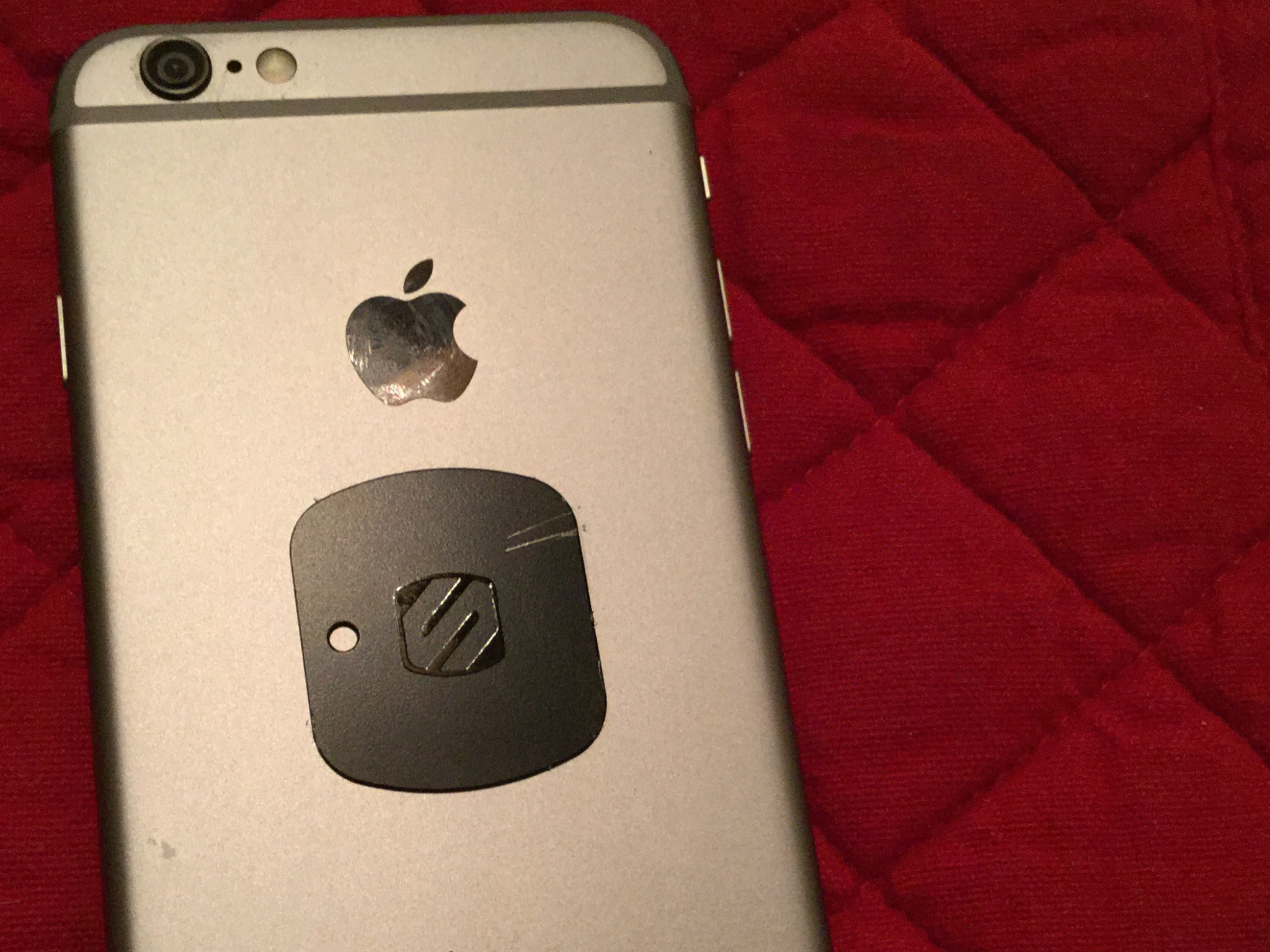 size 40 1640a b1db7 Resolved - How to remove magnet from back of my phone   MacRumors Forums