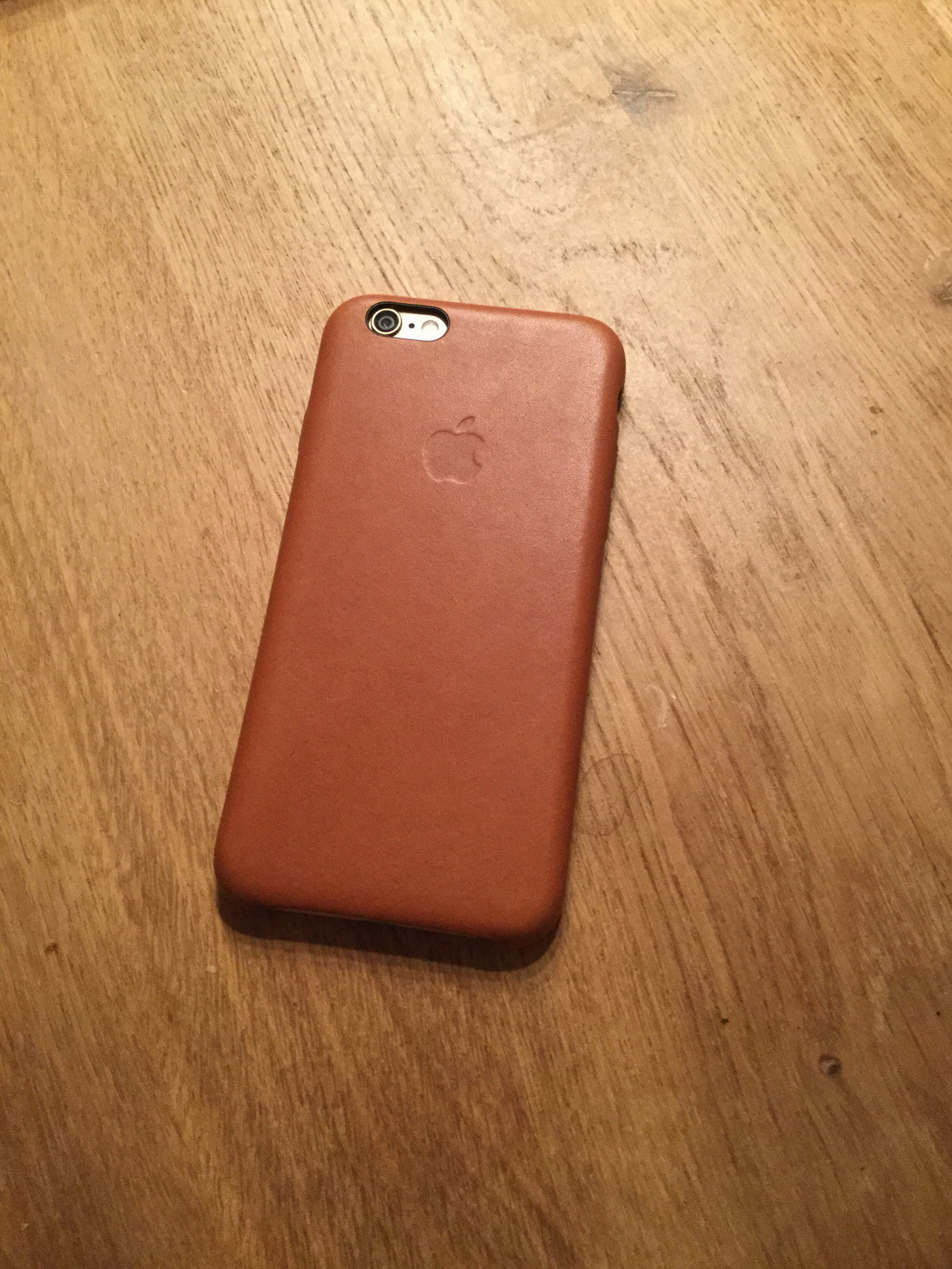 the latest 48e9f d658a Saddle Brown Apple Leather Case | MacRumors Forums