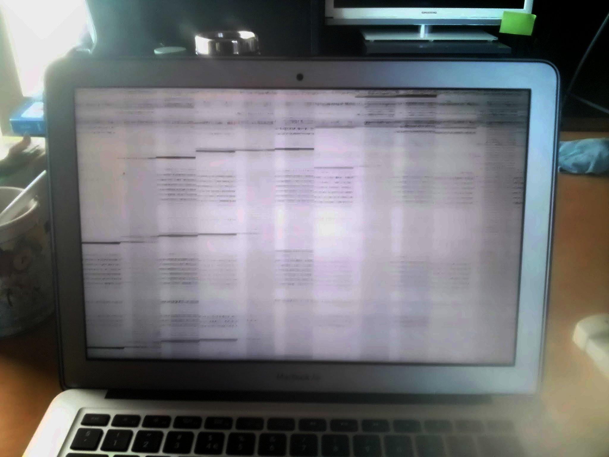 Macbook Air (Haswell) screen tearing on wake | MacRumors Forums