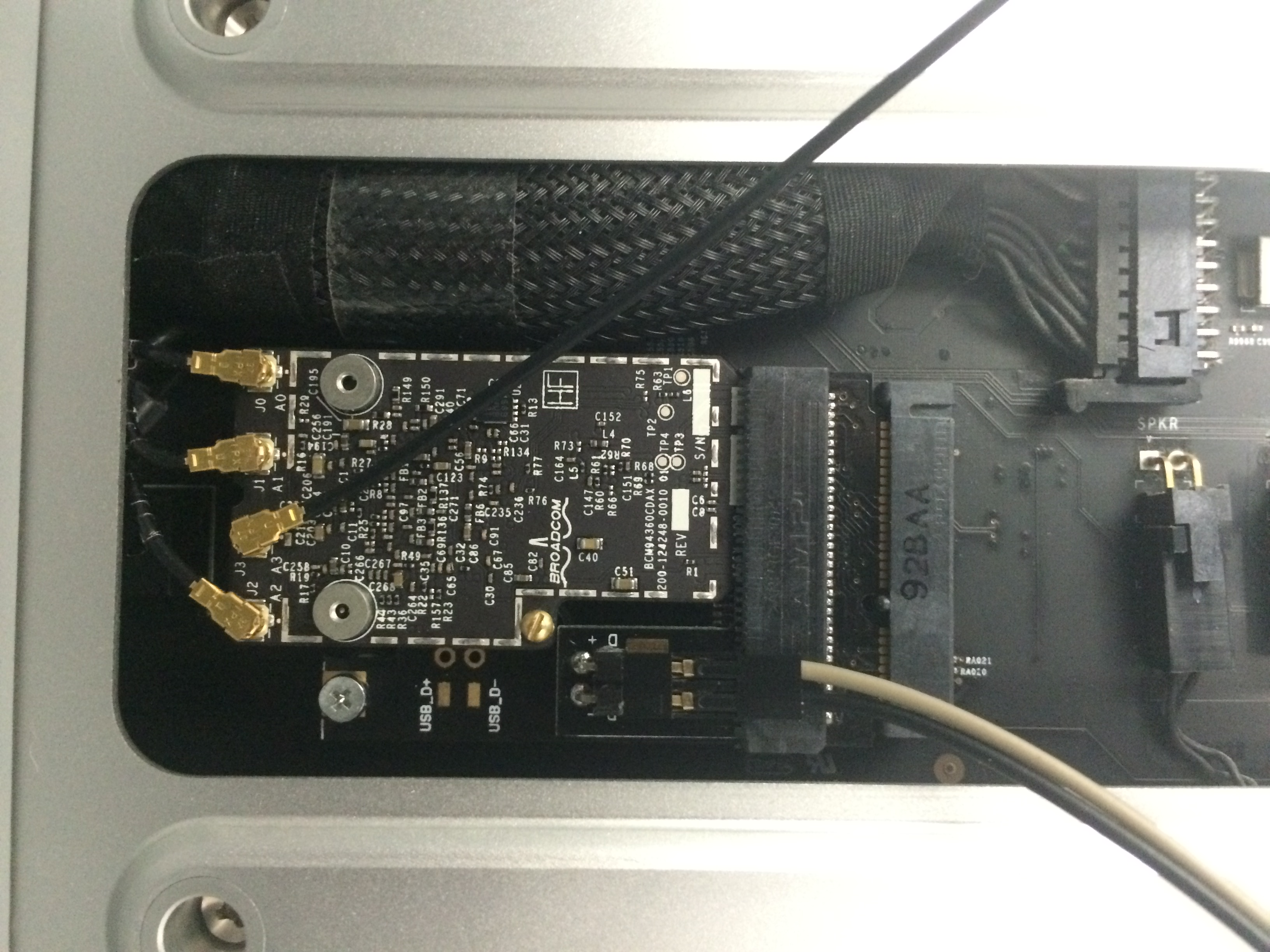 802 11ac, BT 4 0 and Continuity & Handoff are working on Mac Pro