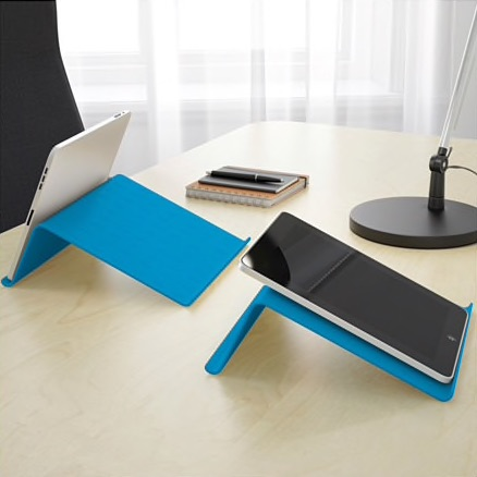 isberget-tablet-stand-blue__0456940_PE604450_S4.jpg