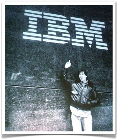 Jobs finger ibm.jpg