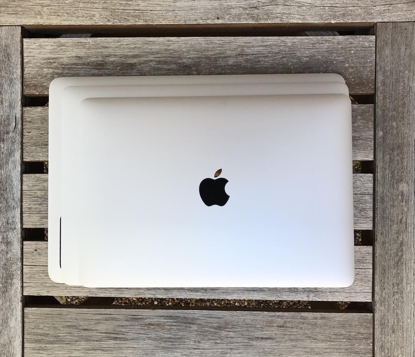 MacBookComp.JPG