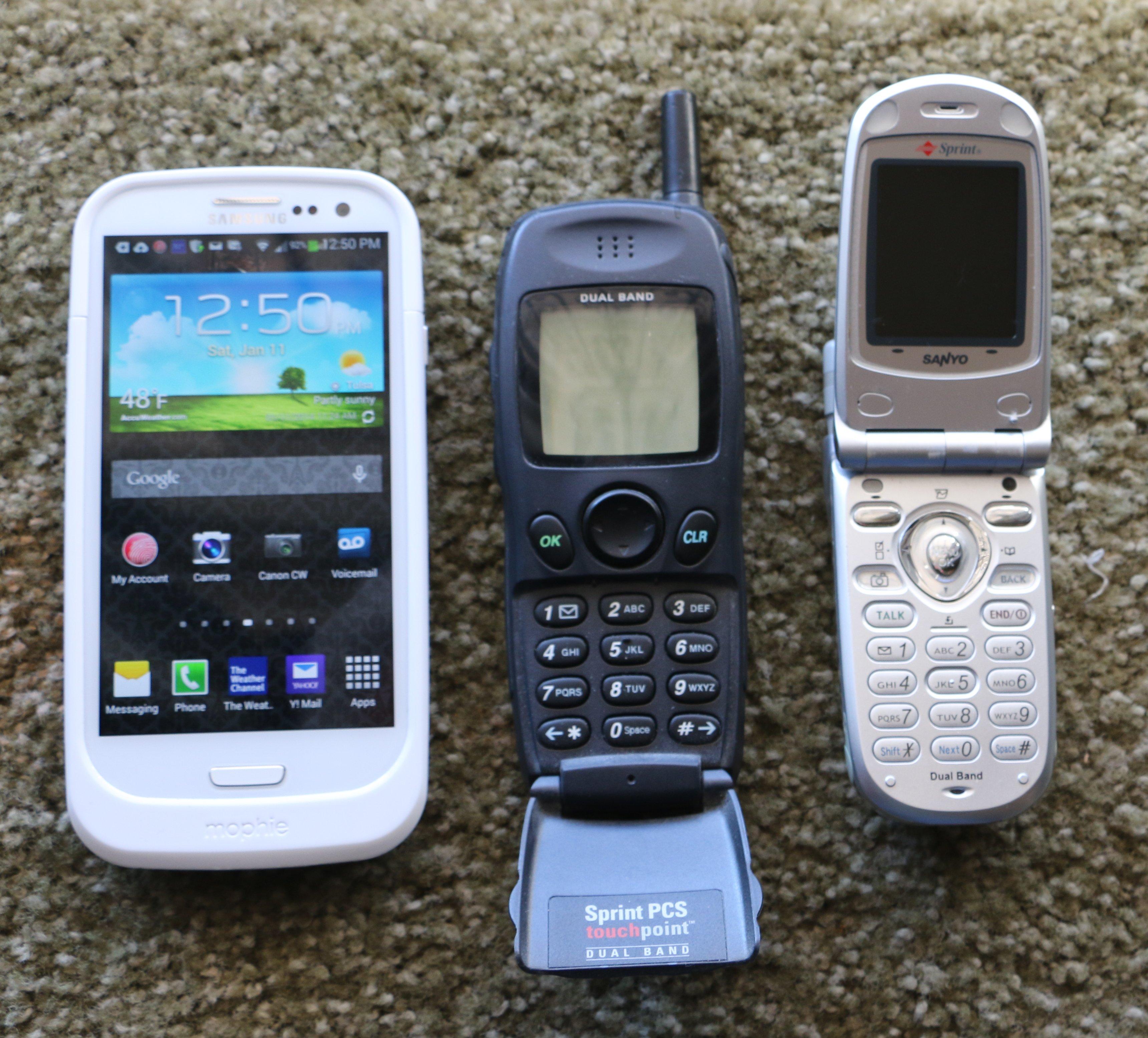 My old and new Phones 70D 01112014.jpg.JPG