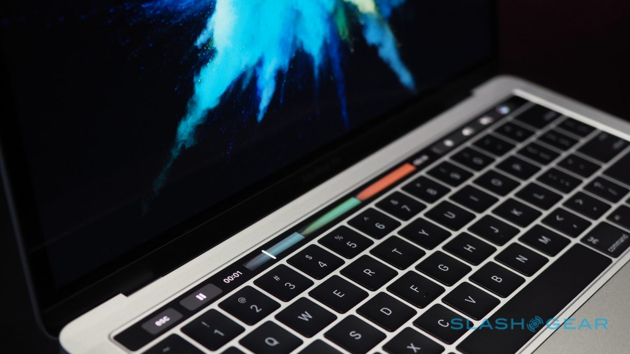 new-macbook-pro-hands-on-2-1280x720.jpg