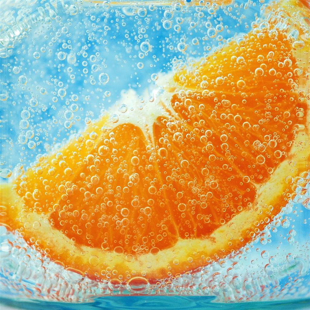Orange Under Water Ipad 4 Wallpaper Ilikewallpaper Com 1024