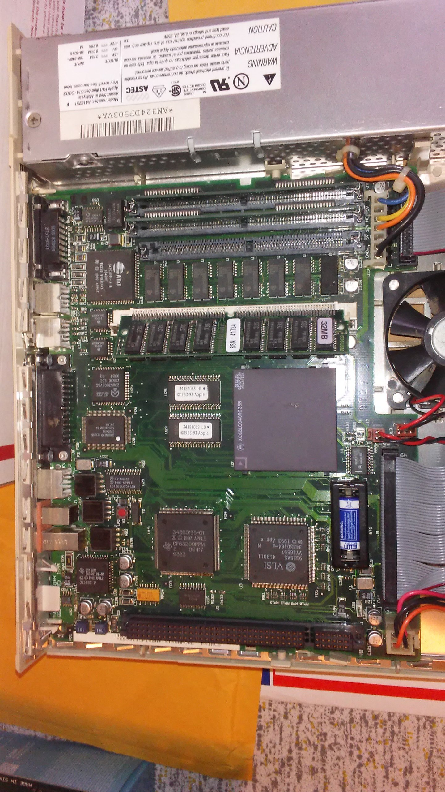Quadra605Mobo2.jpg