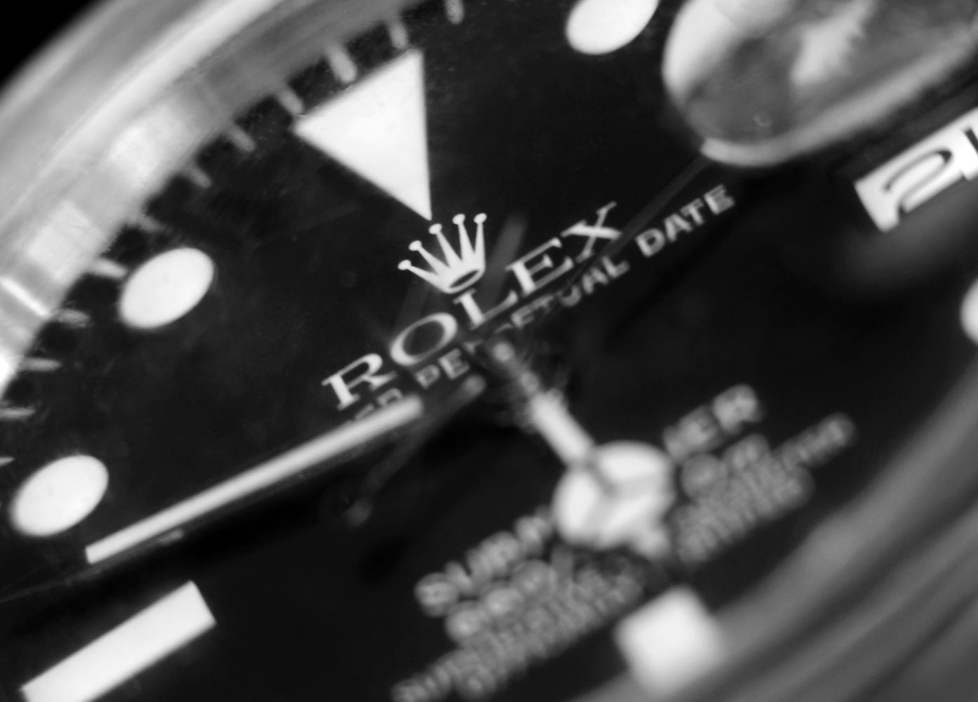 Rolex - Macro - 01 - B&W 2 +30 rotation - resize.jpg