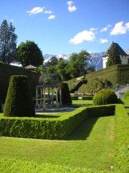 ambras gardens.jpg