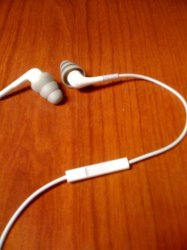 earphones 3.jpg
