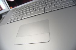 andoru_macbook_pro_30_trackpad1.jpg
