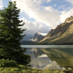 calm-lake 2048.jpg