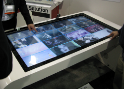 Zoom-Digital-Signage-Touch-Table.png