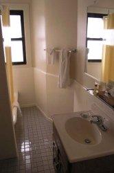 bathroom_PA170436.jpg
