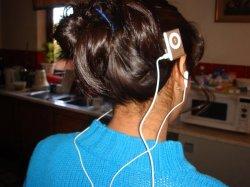 iPod_shuffle_ HairClip1.JPG