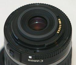 702px-Canon_EF-S_lens_mount.jpg