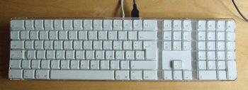 Apple_pro_keyboard_german_layout_92684.jpg