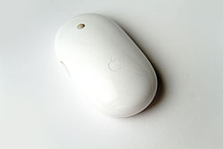 250px-Apple_Mighty_Mouse_Wireless_in_perspective.jpg